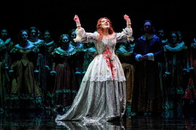 Nadine Koutcher dans Lucia di Lammermoor de Nicolas Joel au Théâtre du Capitole